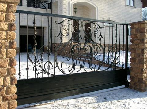Откатные ворота из кованной решетки